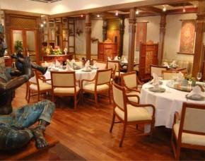 Cinnamon Lakeside Hotel (Former Trans Asia Hotel) Colombo