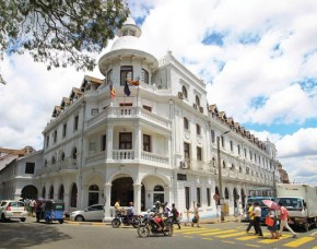 Queens Hotel Kandy